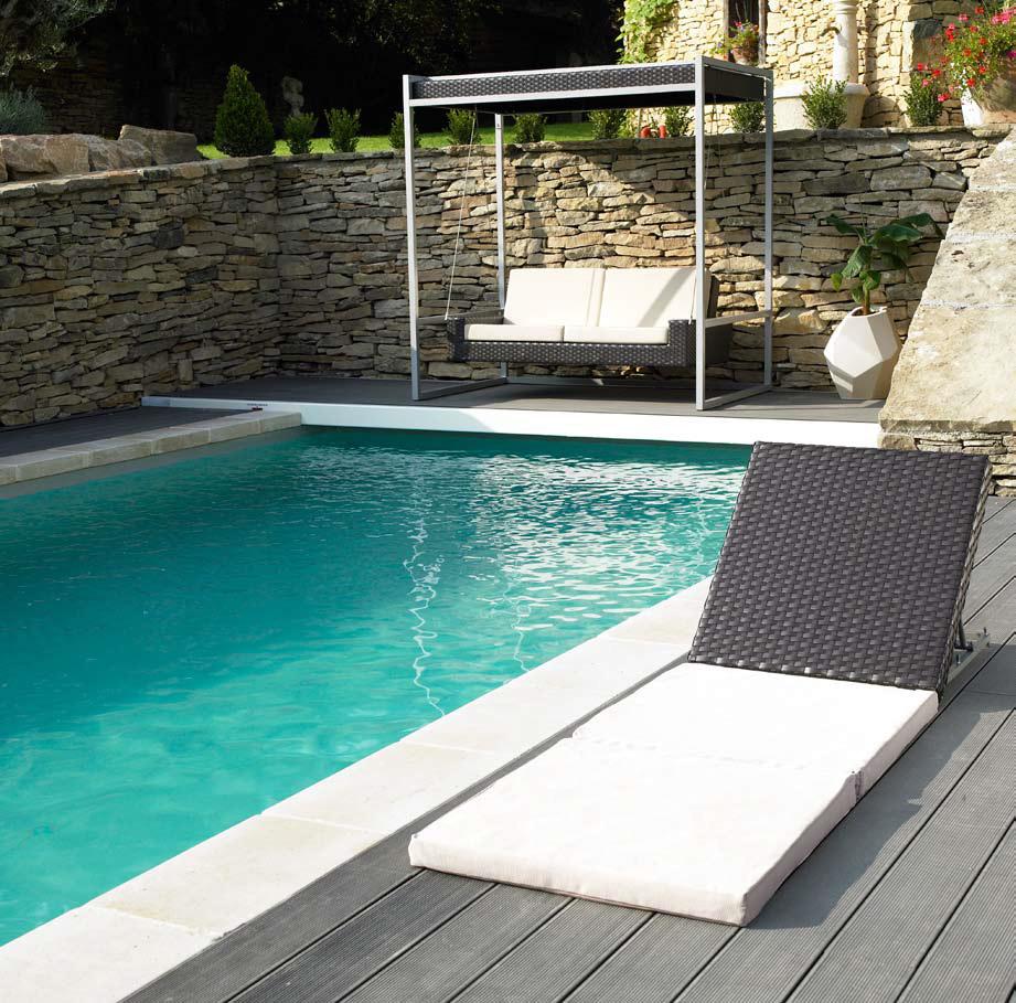 Patio piscinas islas canarias for Piscinas con patas
